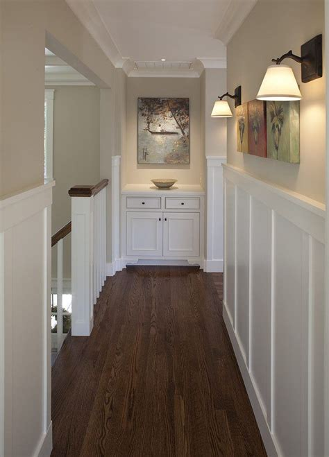 Craftsman Wainscoting by Best 25 Wainscoting Hallway Ideas On