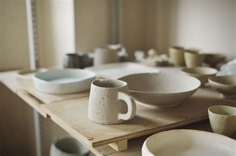 dry pottery  clay objects