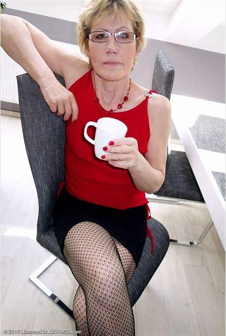 Older Hottie Georgina C Displaying off