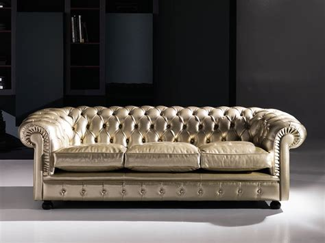 Classic Sofa, Tufted, In Leather, For Public Areas