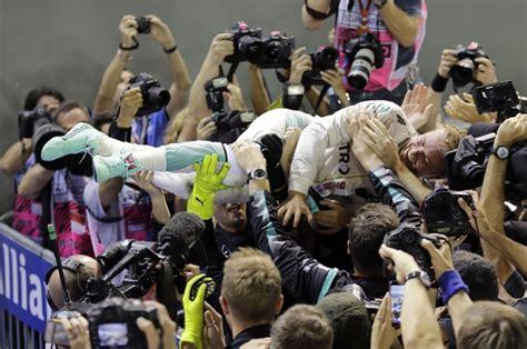 Rosberg ob jubileju prehitel Hamiltona
