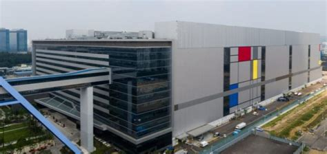 samsung begins mass production  nm lpp chips  early