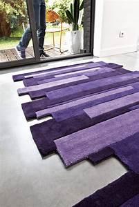 le violet pour une ambiance cosy boreale studio With tapis de couloir avec canapé club tissu