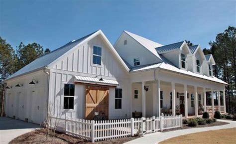 Modern Home Design Ideas Exterior by 90 Modern Farmhouse Exterior Design Ideas