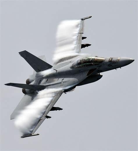 Super Hornet Nervoso
