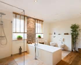 holzboden für badezimmer asiatische badezimmer design ideen beispiele für die badgestaltung