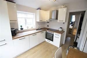 Kitchen Oak Worktop Cream Gloss Units BQ Design