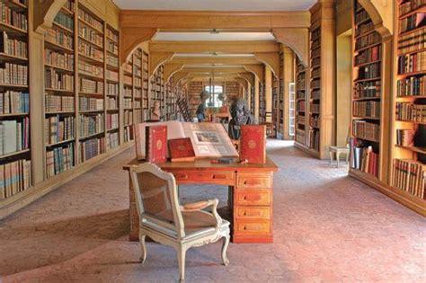 pigeonnier bureau vente de la bibliothèque des ducs de luynes du château de