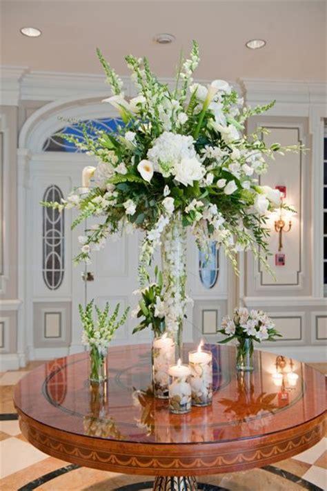 pedestals floral decorators instagram 25 best ideas about vase centerpieces on