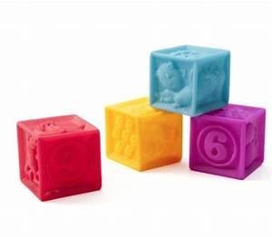 Cube En Bois Bébé : gazette d 39 une maman le blog no l approche 13 id es cadeaux pour b b de 6 12 mois ~ Dallasstarsshop.com Idées de Décoration