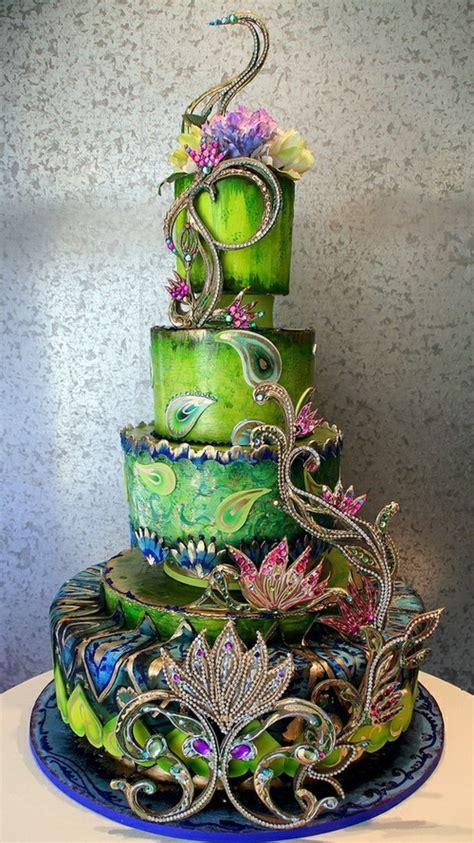5 Peacock Theme Wedding Cakes