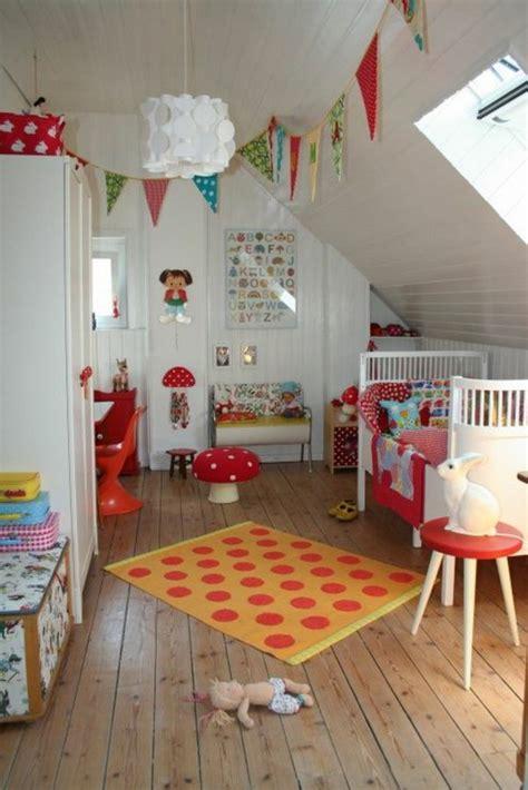 Kinderzimmer Gestalten Junge Mit Dachschräge by Kinderzimmer Bunt Gestalten