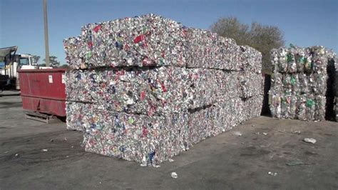 dont put nonrecyclables recycling bin officials urge