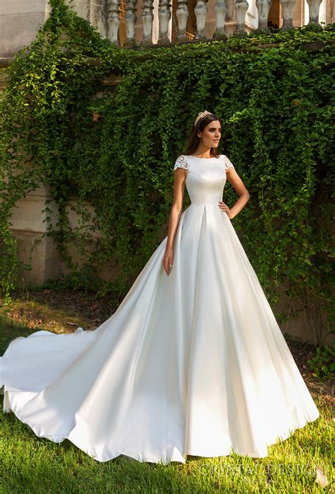 Beautiful Wedding Dresses From The 2017 Crystal Design. Designer Wedding Dresses On Sale. Beautiful White Wedding Dresses. Wedding Dresses Vintage Inspired Lace. Winter Wedding Dresses With Blue. Oscar De La Renta Amelia Wedding Dress. Wedding Dresses With Ruffles. Simple Red Wedding Dresses Uk. Mermaid Wedding Dresses In America