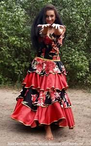 romanichal+costumes | Romani Gypsy dance by Roza Danchenko ...
