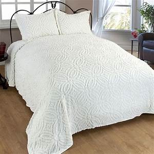 Wedding ring cotton chenille bedspread bedding for Wedding ring bedspread