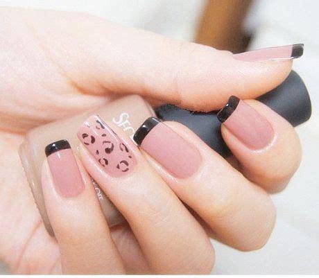 10 diseños de uñas elegantes usando el color del. uñas color piel con diseño negro   Diseño uñas   Pinterest   Black French Tips, French Tip ...