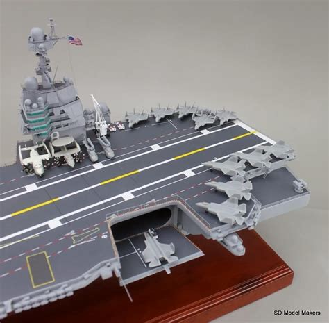 """47"""" Uss Gerald R. Ford Aircraft Carrier Model"""