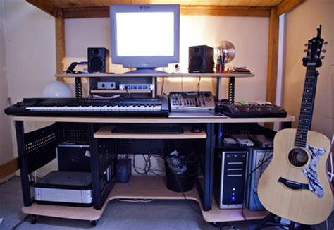 Studio Rta Producer Desk by Desk Studio Search Images 10 22 Audiofanzine
