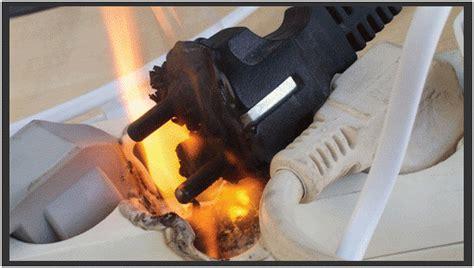 penyebab  tips mengatasi colokan listrik  terbakar