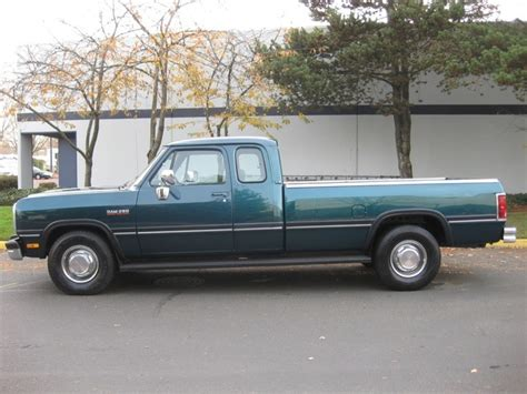 car maintenance manuals 1993 dodge d250 electronic toll collection 1993 dodge ram 250 le 5 9liter turbo diesel 12 valve 5 speed 1 owner