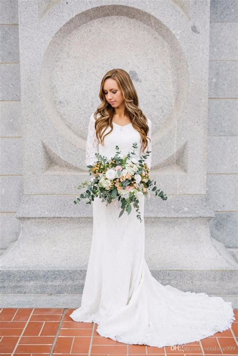 White Lace Wedding Dress With Sleeves