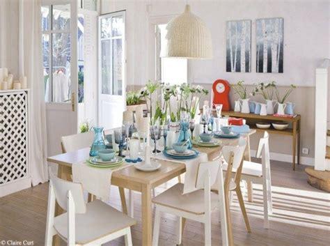 sillas blancas   comedor nordico imagenes  fotos