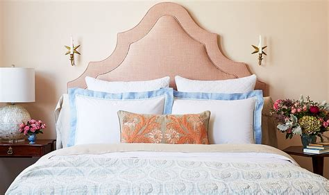 bed pillows on find your bed pillow arrangement one