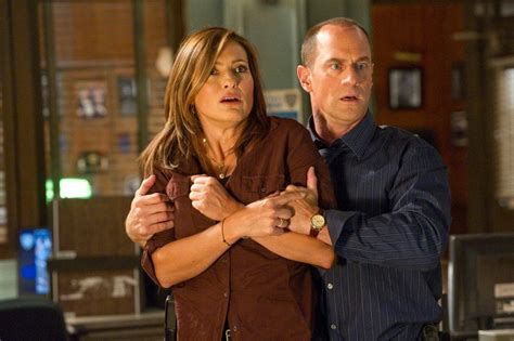 Fans Already Have Theories About Elliot Stabler's New 'Law ...