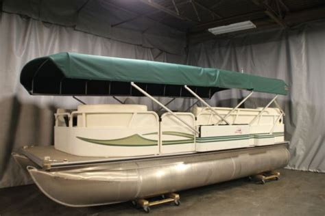 Pontoon Boat Top Covers by Liberator Automatic Mooring Cover Pontoon Deck Boat