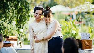 Wedding etiquette how much money to give and more for How much are wedding photos