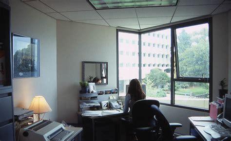 rudy dewanto mengatur interior kantor  rumah