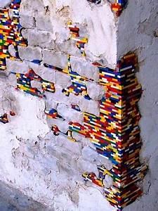Löcher In Der Wand : die besten 25 lego wand ideen auf pinterest jungen lego schlafzimmer lego tisch selbermachen ~ Markanthonyermac.com Haus und Dekorationen