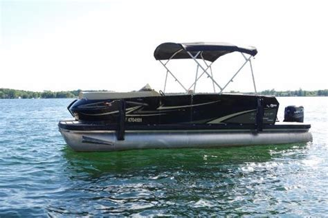 Larson Boats Ontario Canada by Larson Boats For Sale In Canada Boats