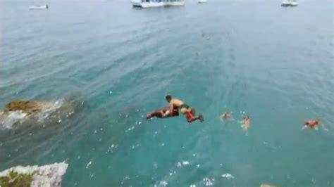 Chignon De Maison Dangereux Les Bermuda Boys R 233 Alisent Des Plongeons Incroyables