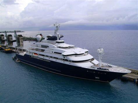 billionaire paul allen selling  super yacht  huge
