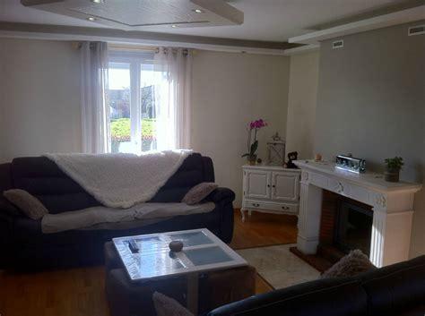 luminaire chambre rénovation d 39 un salon ambiance chaleureuse cosy