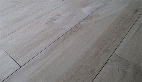 Fliese Holzoptik Grau  Die Neuesten Innenarchitekturideen