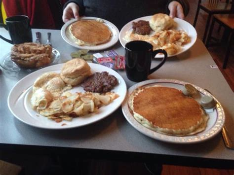 oakdale country kitchen oakdale country kitchen restaurant reviews phone number 1147