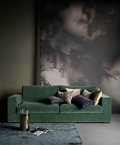 vert profond green tendances nuancier pantone velours With tapis de yoga avec canape vert emeraude