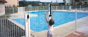 Cloture Souple Piscine : clotures de piscine portails automatiques et cl tures ~ Edinachiropracticcenter.com Idées de Décoration