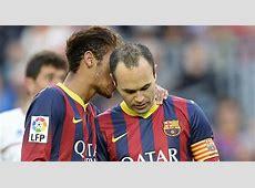 Iniesta y Neymar hacen un rondo con la defensa del Granada