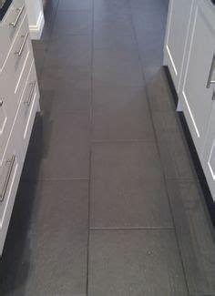 how to lay tile in kitchen best 25 slate flooring ideas on slate floor 8728