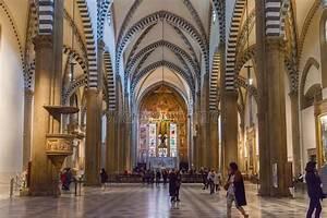 Interior De La Basílica De Santa Maria Novella En Florencia, Italia Imagen editorial Imagen de