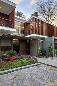 Wooden, Slats, Glass, Walls, And, Modern, Grandeur, Gallery, House, In, India