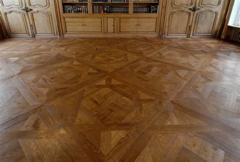 Awesome Patterns of Herringbone Wood Floor to Home