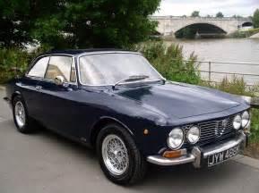 Classic Chrome | Alfa Romeo 2000 GT Veloce (GTV) 1972 (K) Blue