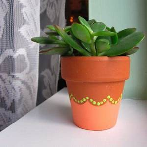 Craft Of The Day: Decorate A Flower Pot With A Pretty