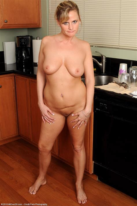 Horny Wife Becca Blossoms In The Kitchen Free Cougar Sex