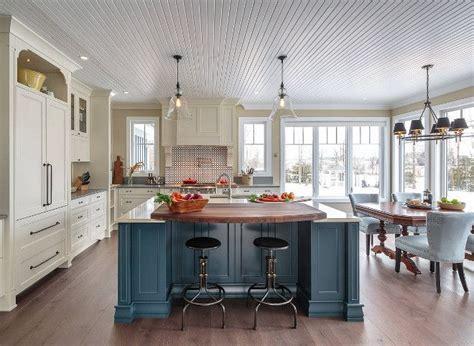farmhouse kitchen shaker cabinets 1000 ideas about blue kitchen island on